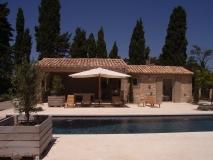 construction-architecte-eygalieres-maison-pierre-piscine-13810