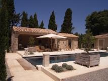 construction-renovation-eygalieres-maison-pierre-piscine-13810