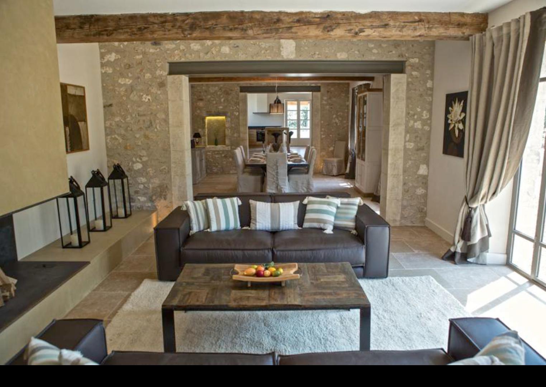 renover maison en pierre excellent uzs minutes maison en pierre de m rnover sur with renover. Black Bedroom Furniture Sets. Home Design Ideas