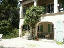 architect-terasse-architecte-de-maison-piscine-baux-de-provence-maussane